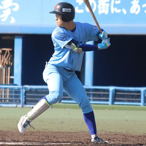 矢澤宏太(日本体育大、見出しまわりの写真は投球中の矢澤)